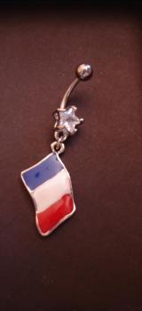 piercing-nombril-drapeau-francais.jpg